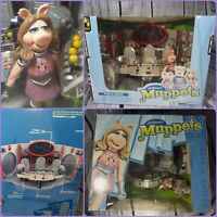 Jim Henson's Muppets Pigs in Space Play set 1st Mate Piggy  unopened box....
