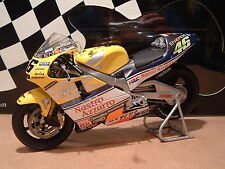 1:12 MINICHAMPS ORIGINAL NASTRO AZZURO VALENTINO ROSSI 2001 ALL YEAR BIKE NEW