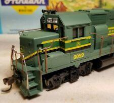 Athearn John Deere GP38-2 locomotive train engine HO scale gp38