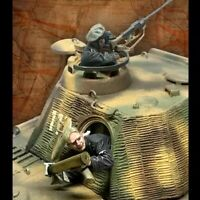 1/35 Resin Figure Model Kit German Tank Crew 2 people no Tank WWII Unpainted