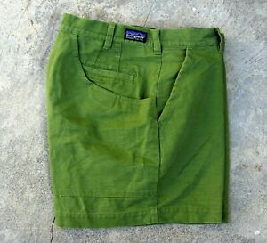 Patagonia Organic Cotton Stand Up Shorts Men's Size 34 Fresh Clover Green