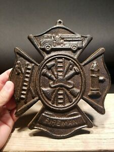 Antique Vintage Style Cast Iron Rust Fire Fighter Plaque Fire Mark Sign