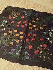 NWT Authentic GUCCI Midnight Blue Floral 100% SILK Pocket Square Handkerchief