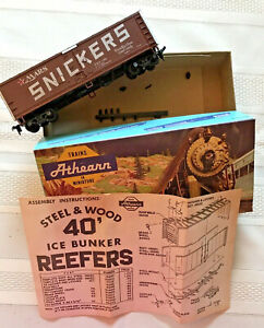 VINTAGE ATHEARN HO TRAIN CAR MARS SNICKERS REEFER AS IS