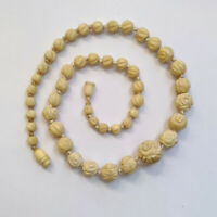 Vintage Art Deco Carved Celluloid Knotted Rose Flower Graduated Bead Necklace