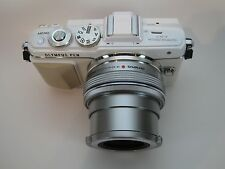 Olympus Pen E-PL7 Camera Kit, 14-42mm EZ Lens, MINT, in white.  Actuations = 220