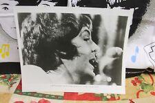 BEATLES (USA) Ltd 1969 Fan Club Photo 8 x 10 PAUL McCARTNEY Singing HEY JUDE Mic