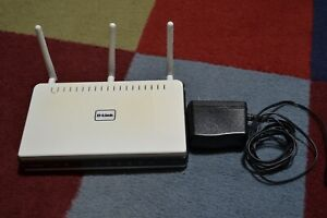 D-Link N+300 Xtreme 300 Mbps 4-Port Gigabit Wireless N Router (DIR-655)