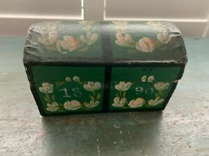 WONDERFUL PAINTED SWEDISH DOME TOP MINIATURE BOX 1890 FLORAL