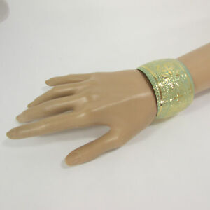 New Women Fashion Jewelry Gold Metal Cuff Bracelet Flowers Black White Pink Blue