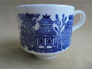CHURCHILL WILLOW BLUE & WHITE TEA CUP LIKE NEW