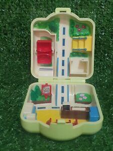 Vintage 1997 Pokemon Polly Pocket Tomy House/Garden Playset