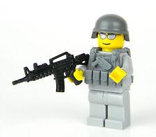 custom LEGO(R) Army Modern Soldier with custom M4 Rifle tactical vest
