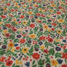 """PreQuilted fabric Vtg 80s WHITE calico floral red blue 15""""x40"""""""