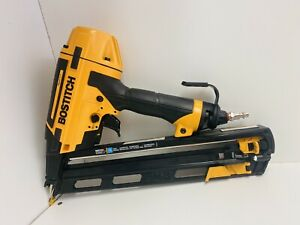 """Bostitch BTFP72156 FN Smart Point 15 Gauge Angled Finish Nailer 1-1/4"""" to 2-1/2"""""""
