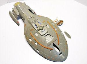 Star Trek Voyager Model Monogram 1995 Incomplete