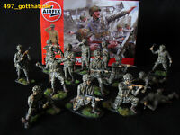 1/32 AIRFIX WW2 PROFESSIONALLY PAINTED AMERICAN PARATROOPS  BOXED X 14. SOLDIER