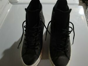 Converse all stars  chuck taylor size 8.5 nice condition