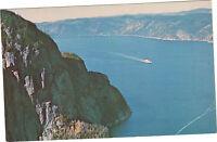 Québec - Le Cap Trinité et la rivière Saguenay   (F7902)