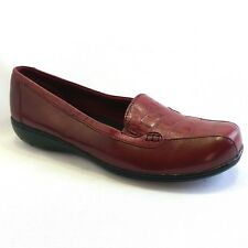 Clarks Bendables Red Leather Croc Print Slip On Loafer Comfort Shoes Size 9.5 W