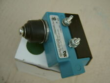 Honeywell DTE6-2RN Snap Action Limit Switch, Plunger, Die Cast Zinc, 2NO/2NC