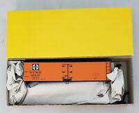#227 -HO ACCURAIL CAR KIT }  SANTA FE  40' REEFER CAR