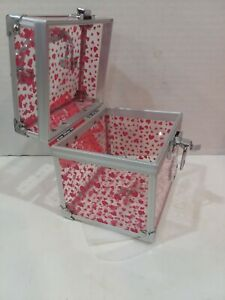 Caboodles  oh Ls La! Petite Makeup Train Case Small with Pink Hearts New