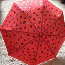 BNWTs Boutique Moschino Rojo Multi Corazones Paraguas, protección contra el sol UV 99%