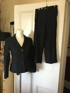 Hobbs Size 8 Jacket And 3/4 Trousers Suit Set