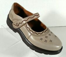 Dr. Comfort Susie Mary Jane Diabetic Shoes Women Size 6W Light Brown NWOB