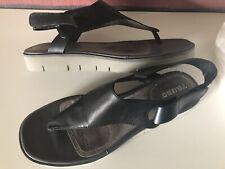 TSUBO  Black Leather Slingback Thong Sandals Sz 10