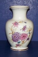 """STUNNING HOLLOHAZA HUNGARY FLORAL WITH GOLD TRIM 5 3/4"""" VASE"""