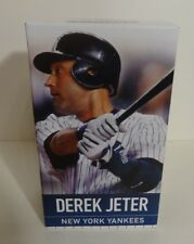 NY YANKEES DEREK JETER LIMITED EDITION FINAL SEASON FIGURINE STATUE SGA 2014 NEW
