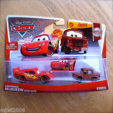Disney PIXAR Cars LIGHTNING McQUEEN WITH SIGN & FRED 2013 RUST-EZE RACING 5&6/8