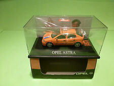 SCHUCO OPEL ASTRA - ORANJE EK 2000 FRANK RIJKAARD - MINT IN BOX- LIMITED EDITION