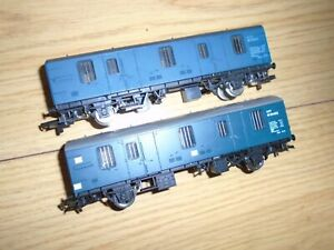 Pair of Wagons for Hornby OO Gauge Sets