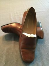 Naturalizer Ladies Brown Loafer size 8 Wide