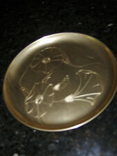 """Vntg. Neocraft By Everlast 8.5"""" Gold Aluminum """"Morning Glory"""" Plate-1940s/50s"""