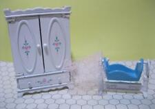 vintage MATTEL THE LITTLES 1980 DOLL HOUSE Bedroom Armoire/Baby Cradle Bed lot
