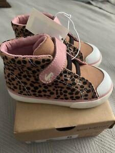 See Kai Run Belmont II sneaker size 8