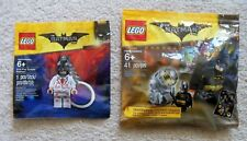 LEGO - The LEGO Batman Movie - Rare - Batman Bat Signal & Kiss Kiss Tuxedo - New