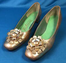 Vintage Mod Metallic Gold Shoes Viva Americana Bow Flower Pumps 8.5 3A NARROW