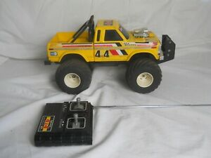 Vintage Radio Shack Tandy Dash Radio Control 4x4 Truck.