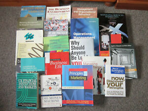 LARGE BUNDLE OF STUDY BOOKS COVERING BUSINESS & MANAGEMENT IN VGC