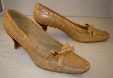 "STUART WEITZMAN Sand/Camel Crocodile Embossed 2"" Heeled Dress Shoes (6 M)"