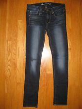 EUC juniors American Eagle Dark Denim Skinny Jeans distressing Size 6