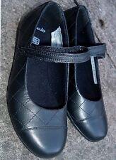 JUNIOR GIRL black leather school shoe size 8 F (EU25) CLARKS   rrp £30