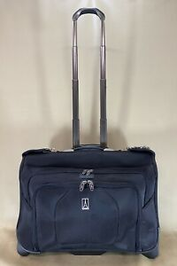 """TravelPro Crew 9 Black 22"""" Wheeled Rolling Carry On Garment Bag Style 407124001"""