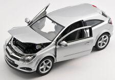 BLITZ VERSAND Opel Astra GTC ab 2005 silber / silver 1:24  Welly Modell Auto NEU