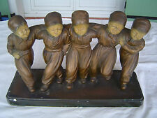 """Plâtre sur socle """"Les 5 enfants dansants"""", signé MELANI"""